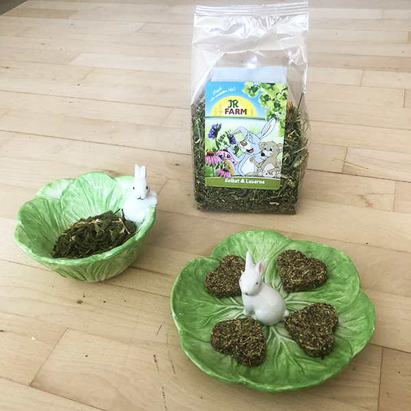 green rabbit bowls with feed