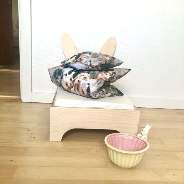 Kaninseng, sengetøj med kaniner og kaninskål